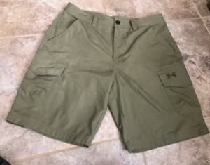 UNDER ARMOUR LOOSE HEAT GEAR CARGO GREEN CASUAL GOLF SHORTS MENS SIZE 34