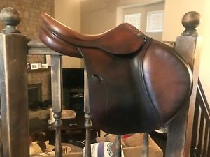 Antares 16.5 Jumping Saddle 2008 good condition.