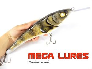 Muskie Lure MegaLures CrankBait Handmade Wood Fish Tackle Freshwater Pike Bass