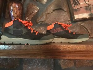 Boys Under Armour High Tops Athletic Shoes Sneakers Camo Orange EUC SIZE 3 12