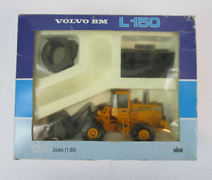 NZG Volvo BM L150 Loader 1:50 Scale Model w Box & Attachments #359