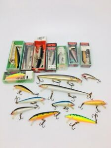 EXCELLENT LOT OF 18 RAPALA CRANKBAIT FISHING LURES!! SAVE!