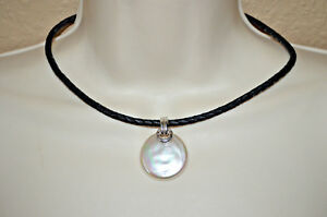 New Majorica 1890 Black Leather Cord Round Mother of Pearl Choker Necklace