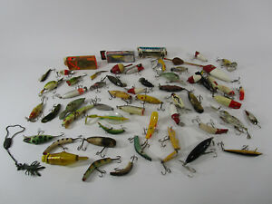 HUGE LOT OF 54 FISHING LURES VINTAGENEWSOME WOOD LURES  BASS FISHING