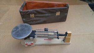 Ohaus Triple Beam Balance Scale 2610g w 3 Weights & Carry Case 5lb 2oz 700 800