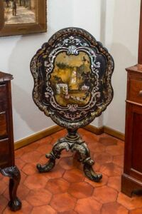 A Very rare Victorian gilt and mother-of-pearl inlaid Table Center - ca 1850