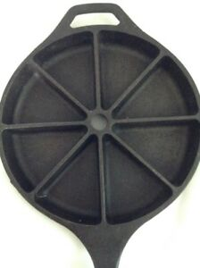Vintage Cast Iron LODGE 8 Wedge Divided Corn Bread Skilletpan USA D 8 CB 9
