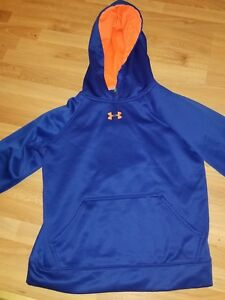 UNDER ARMOUR HOODIE YOUTH MEDIUM SOME DISTRESS ON STRIPE IN BACK SEE PICS $15.00