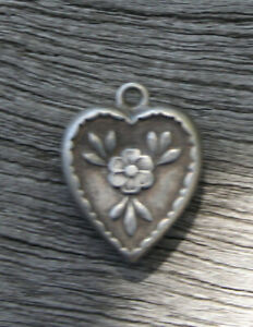 VINTAGE STERLING SILVER PUFFY HEART CHARM - Six Petal Flower & Leaves