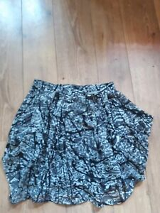 ZARA GREY SPLASH KNEE LENGTH QUIRKY SKIRT SIZE M WAIST 30quot;