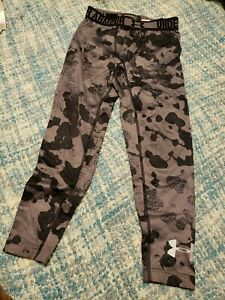 Under Armour Compression Cold Gear Fitted Pants Camo Black and Gray Size Youth M