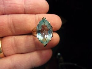 FANTASTIC LADIES 10K YELLOW GOLD & HUGE NATURAL BLUE TOPAZ MARQUISE RING SIZE 8