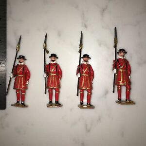 Vintage & Antique Lead Toy Soldiers W Movable Arms 50s Queen's Guard (?) England