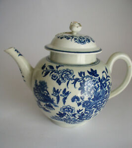 ANTIQUE  WORCESTER FIRST PERIOD FENCE PATTERN  BLUE & WHITE TEAPOT - CIRCA 1770