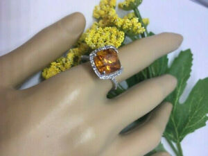 FANTASTIC 10K WG 10MX10M CUSHION YELLOW NATURAL SAPPHIRE & DIAMOND RING