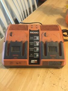 RIDGID Rapid Max Twin 12V14.4V-18V Battery Charger Station Works Perfectly