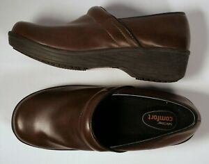 SafeTStep Brown Comfort Nursing Clogs Non Marking amp; Slip Resistant Sz 7.5