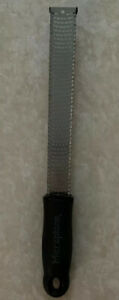 Microplane Classic Stainless Steel Fine Grater Zester Black Handle 12