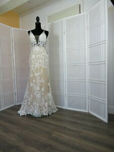 wedding dress size 14 color ivorylight nude designer Calla Blanche