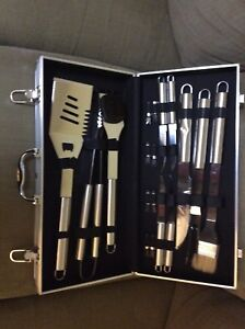 18 Piece BBQ Tools Set Grilling Stainless Steel Grill Accessories Aluminum Case