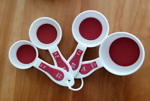 Set of 4 Plastic Measuring Scoops: 1/4, 1/3, 1/2 and 1 cup, rybber bottom