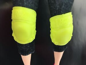 Barbie Doll Curvy Skateboarding Knee Pads Green Accessory Olympic Tokyo 2020 $8.08