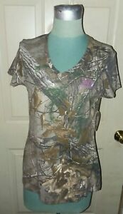 Realtree Camouflage Women#x27;s Woodlands Camo V Neck Small Short Sleeve T Shirt NWT