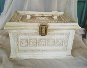 VINTAGE MAX KLEIN ORNATE PLASTIC SEWING BOX WITH TRAY $29.00