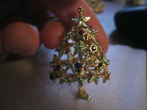 Unique vintage signed Star shaped Christmas tree brooch Pin cant read mark $25.00