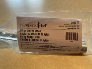 NEW Pampered Chef NYLON SLOTTED SPOON 2009 $19.75