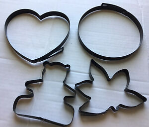 METAL PANCAKE MOLDS SET OF 4