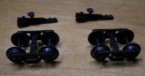 Weaver O Scale 1 PAIR DIE CAST SPRUNG FREIGHT TRUCKS AND COUPLERS 3 RAIL