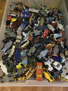 UNSEARCHED Lot 40 Cars Vehicles Hot Wheels Matchbox Disney Tonks ECT. $21.95