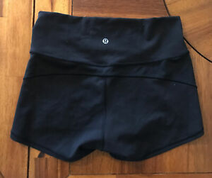 "Lululemon Women Black Wunder Under Shorts 2""inseam Size 8 Flaw Plz Read $29.99"