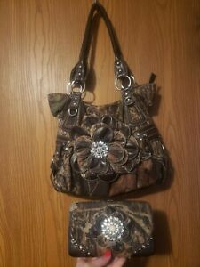 CUTE Camouflage purse with matching clutch wallet