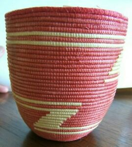 Small Pink and Beige Handmade Basket Maybe Senegal Africa Signed Z Design Faded $12.00