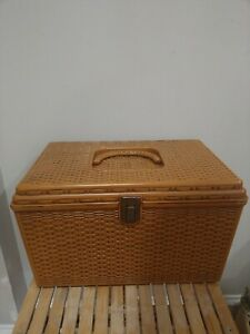 Vtg Wilson Wil Hold Plastic Basket Weave Craft Sewing Box Removable Trays $35.00