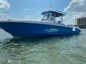 2014 Everglades 325 Center Console Fishing Boat