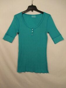 MICHAEL STARS Shimmering Caribbean Blue Scoop Neck 1 2 Buttoned Top One Size $5.95