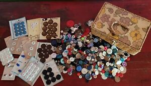 Vintage Dritz Sewing Basket Full of Vintage BUTTONS 1950s 1960s Wicker Floral $25.00