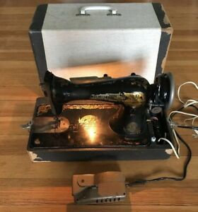 Vintage SINGER Sewing Machine amp; Case for PARTS UNTESTED Lincoln Electric Motor $49.45