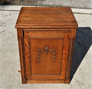 1900s SINGER ANTIQUE SEWING CABINET BEAUTIFUL TIGER OAK CLOSED CABINET NICE $120.00