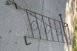 VINTAGE WROUGHT IRON STAIRS CURVED HAND RAIL FROM HISTORIC HOME BAY CITY MI. $150.00