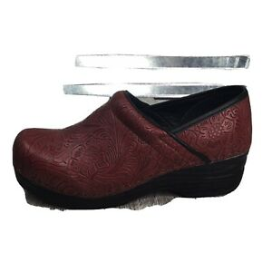 Coft amp; Barrow Clogs Nurse Professional Work Women Red Embossed Faux Leather 6.5