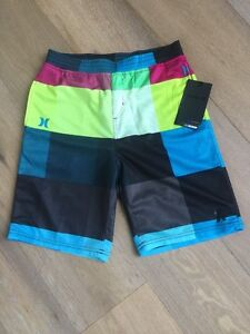 Boys NWT New Hurley Nike Dry fit Shorts Size Medium