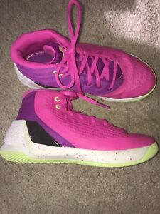 Under Armour Girls boys shoes Curry 3 hightops basketball sneakers size 3 youth