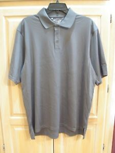 p NWT Mens Under Armour Loose Heat Gear Golf Polo Size Medium White   MSRP $55