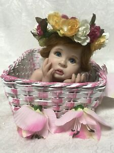 """EUC """"PORCELAIN DOLL IN A BASKET"""" 2001 LE 2231000 By Laura Lee Wambach"""