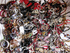 ** BIG VALUE ** 12 LB. Preowned Necklaces & Bracelets. Good wearable condition!