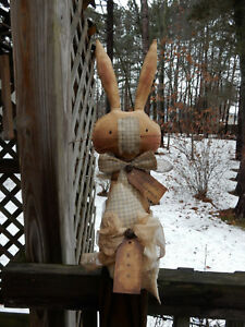 FoLk Art PrimiTive CounTry Home sPriNg buNny RABBIT EasTer Egg DOLL DecoraTion